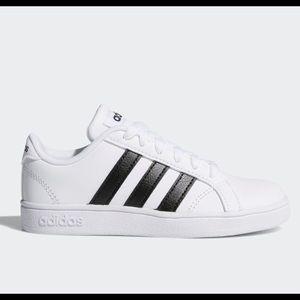 Adidas Baseline tennis shoes , fits Women size 7